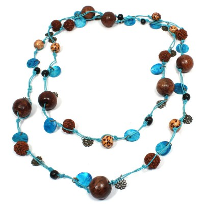 Sautoir Bleu en perles de bois et graines (gcolper11)