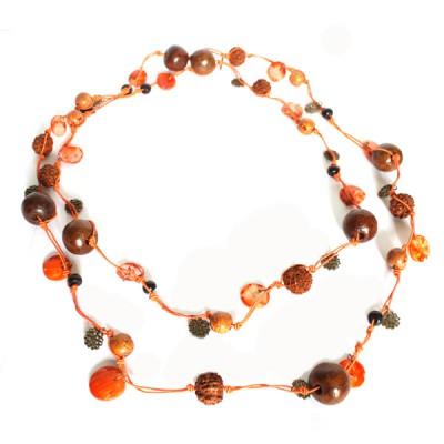 Sautoir Orange en perles de bois et graines (gcolper10/2)